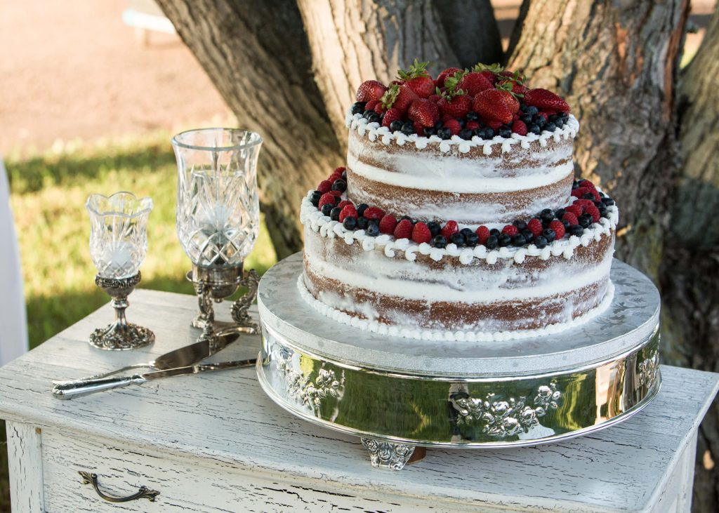 Habitue Coffeehouse Cakes to Remember Wedding Cakes - Berry Cakes