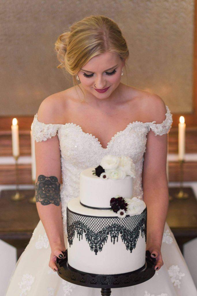 Habitue Coffeehouse Cakes to Remember Wedding Cakes - Bridal Cake